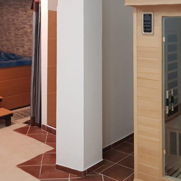 Penzión U Huberta - miestnosť s vírivkou, sprchou a infra-saunou - panoráma
