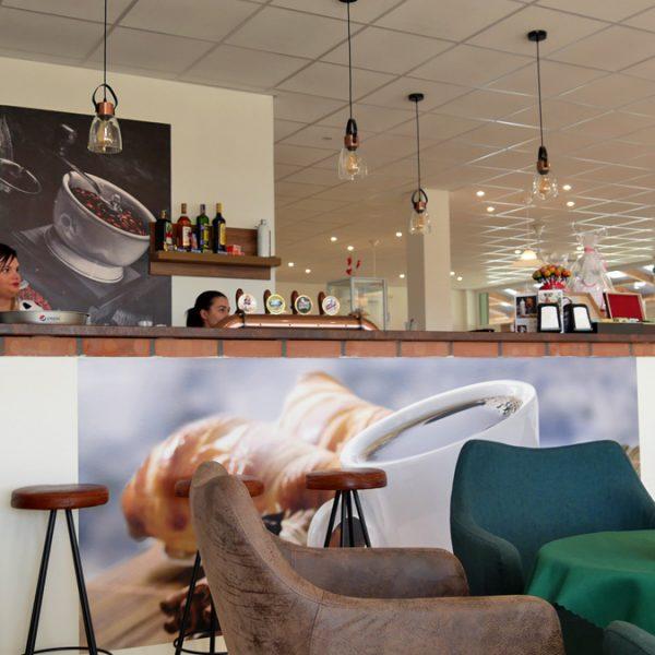 Penzión U Huberta - pohľad na barovú časť reštaurácie 2