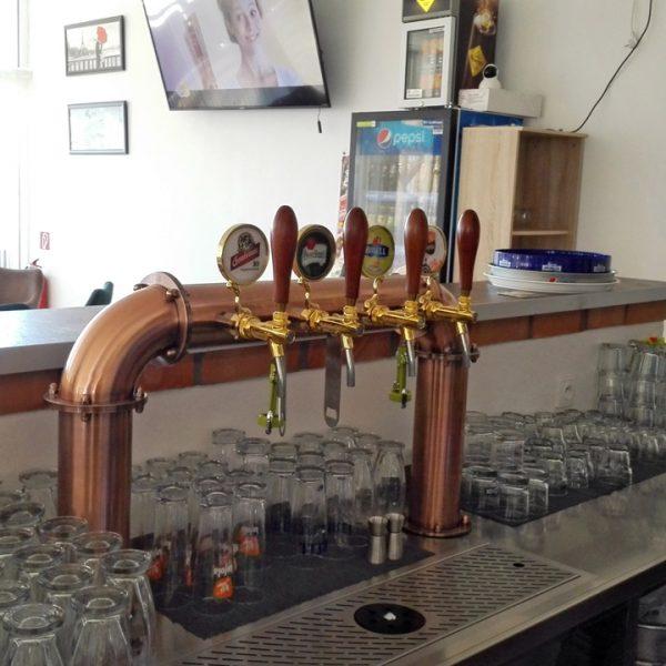 Penzión U Huberta - pohľad za bar