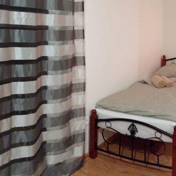 Penzión U Huberta - zákutie izby s posteľou