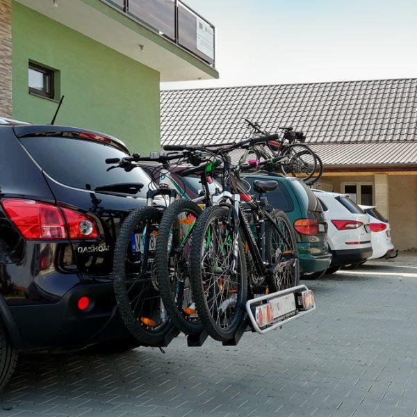Rekreační cyklisti si zvolili Penzión U Huberta ako východzí bod pre svoje cesty do okolia