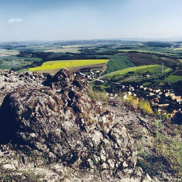 Penzión U Huberta - 15 km od penziónu sa nachádza zaujímavý prírodný útvar Kosihovský kamenný vrch